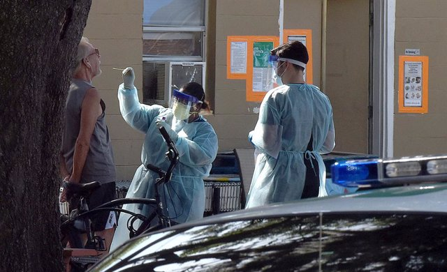 Coronavirus.- El gobernador de Florida no fija ninguna fecha para la reapertura
