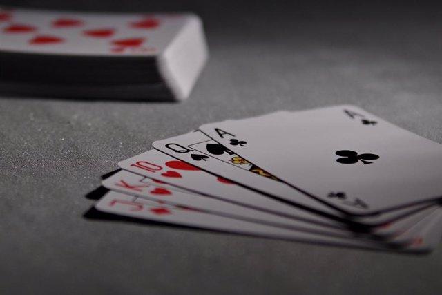 Parchís, cartas, trivia: Los juegos tradicionales triunfan online durante el con