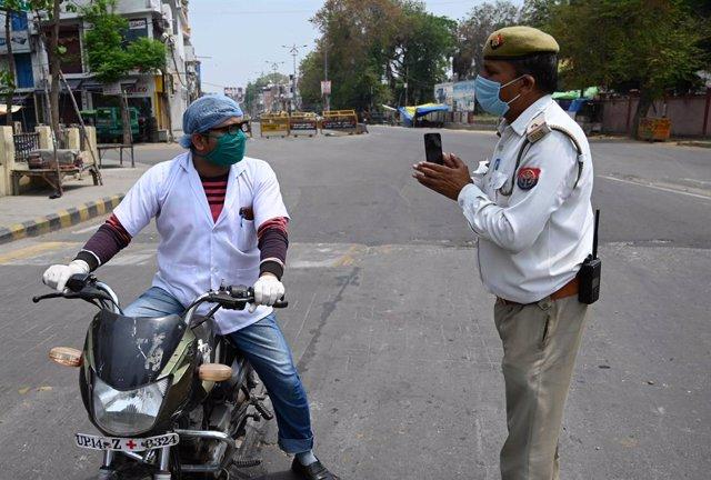 Coronavirus.- El estado más poblado de India suspende las reuniones hasta el 30