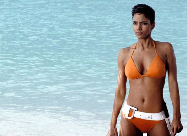 Halle Berry en la saga James Bond