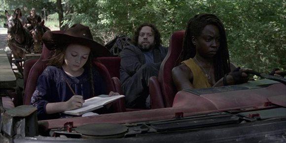 1. Un personaje de The Walking Dead confirma que sigue vivo y volverá en el final de la temporada 10