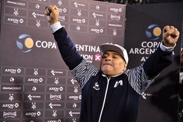 """Fútbol.- Maradona: """"El primer partido con gente será como cuando ves a tu novia"""