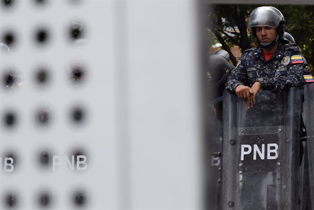 Agente de la Policía Nacional Bolivariana (PNB) de Venezuela en Caracas.
