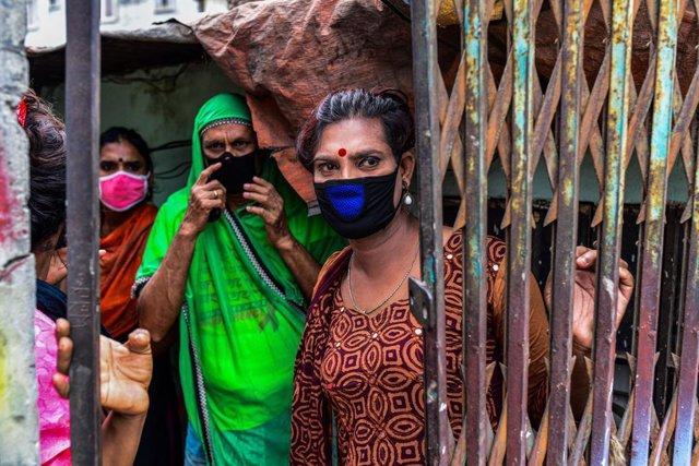 Bangladesh.- Miles de trabajadores textiles de Bangladesh exigen al Gobierno los