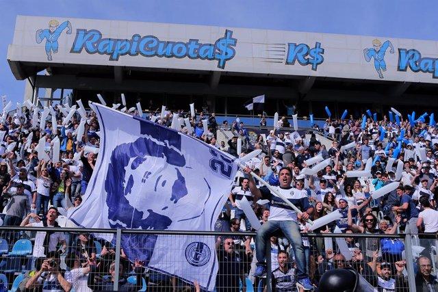 Fútbol.- Una subasta benéfica logra 55.000 euros por una camiseta de Maradona