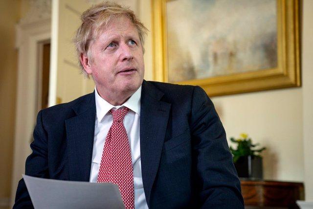 Coronavirus.- Boris Johnson retoma el trabajo este lunes tras superar el coronav