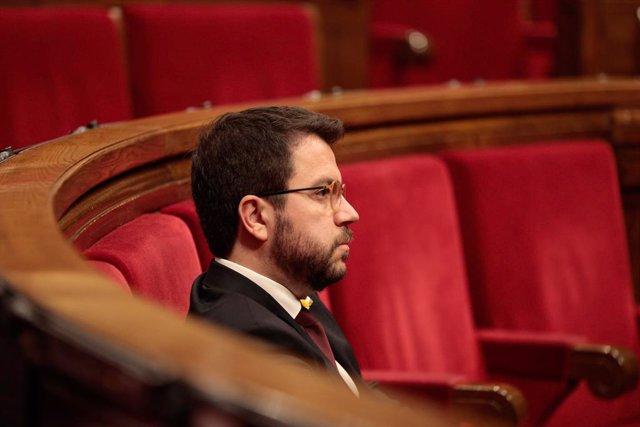 El vicepresident de la Generalitat i el conseller d'Economia, Pere Aragonès, en el ple per aprovar els Pressupostos de la Generalitat 2020. A Barcelona, el 24 d'abril de 2020.