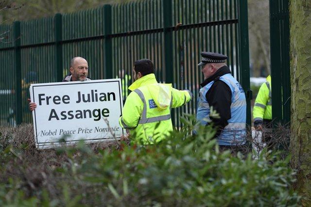 Wikileaks.- Aplazado el inicio del juicio por la posible extradición de Assange