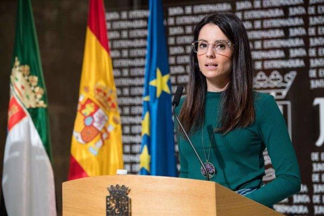 La consejera de Cultura, Turismo y Deportes, Nuria Flores