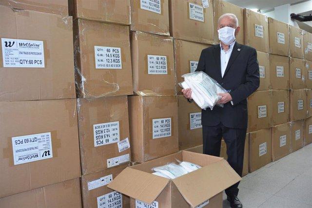 El Consejo General de Enfermería adquiere y distribuye a sanitarios 5.000 EPIs y 200.000 mascarillas FFP2