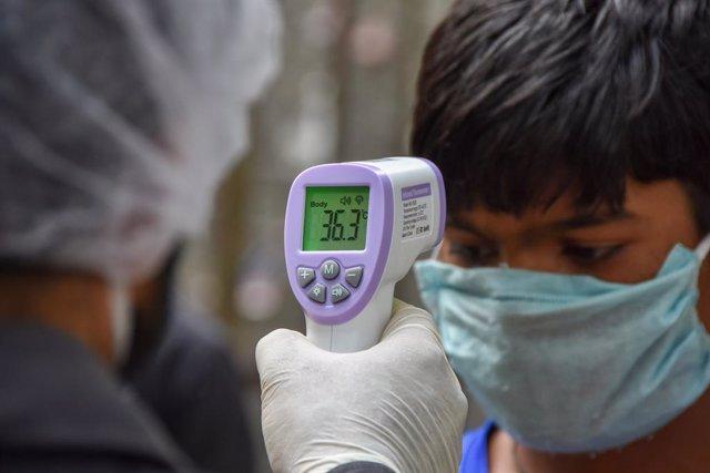 """Coronavirus.-Modi recalca el """"buen estado"""" de la economía y pide ampliar la rest"""