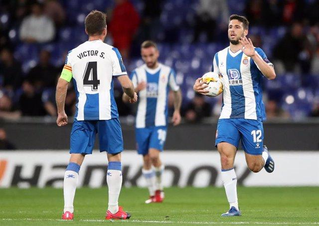 Fútbol.- El Espanyol se rebajará el salario entre un 4 y un 19% y ampliará los c