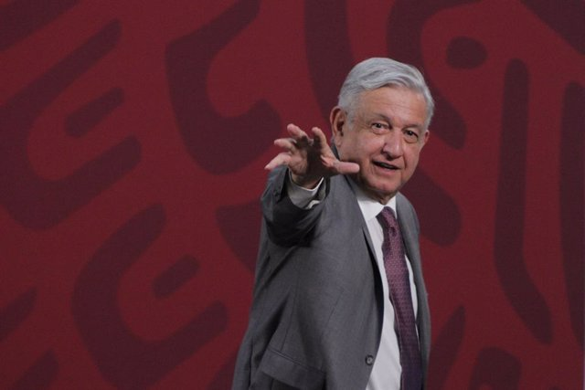"""Coronavirus.- López Obrador pide """"tener mucho cuidado"""" para que no se rescaten e"""