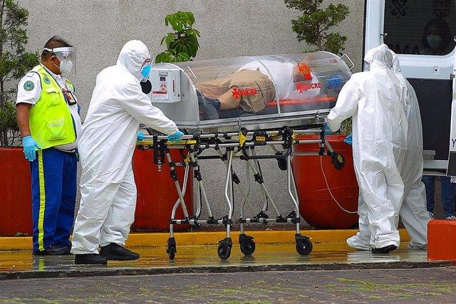Traslado de un paciente de coronavirus en Ciudad de México