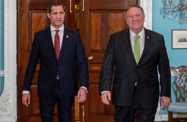 """El autoproclamado """"presidente encargado"""" de Venezuela, Juan Guaidó, y el secretario de Estado de Estados Unidos, Mike Pompeo, en Washington (Imagen de archivo)"""
