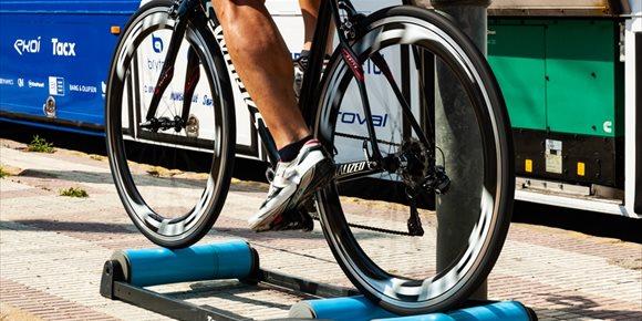 3. Cómo convertir una bicicleta de carretera o montaña en estática para hacer ejercicio en casa