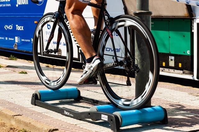 Cómo convertir una bicicleta de carretera o montaña en estática para hacer ejercicio en casa