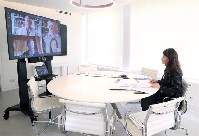 La Reina Letizia se reúne con FEDE para conocer cómo están apotando a las personas con diabetes