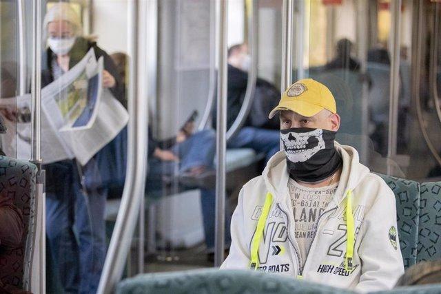 Un pasajero en un tren de Berlín