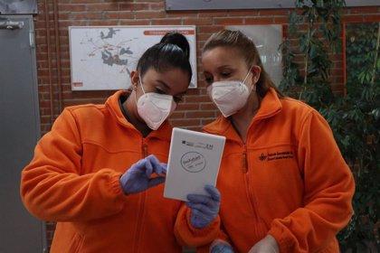 Fundación Secretariado Gitano y ProFuturo reparten 300 tablets a estudiantes gitanos para facilitar la educación en casa