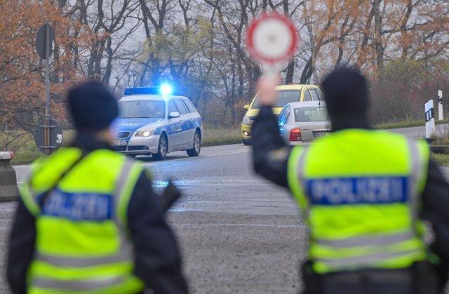 Alemania.- La Policía alemana dispersa a unas 350 personas reunidas en la ciudad