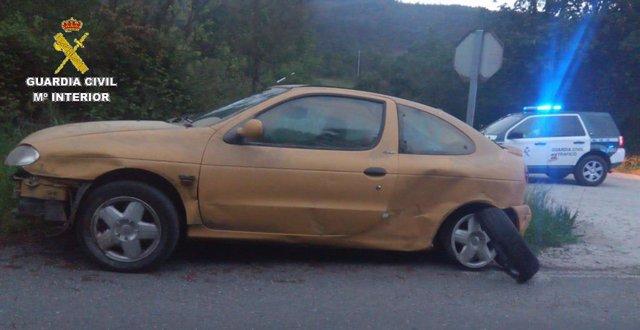 Investigado un joven conductor temerario tras saltarse el confinamiento y causar un accidente en Lalín (Pontevedra).