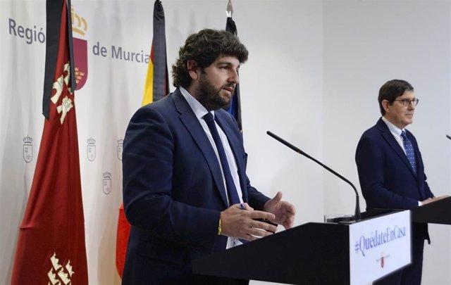 El presidente regional, Fernando López Miras, y el consejero de Salud, Manuel Villegas