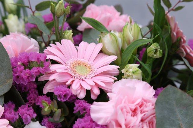 Ramo de flores por el Día de la Madre.