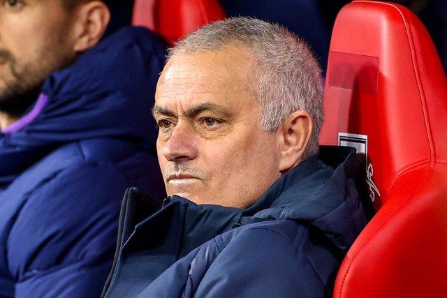 """Fútbol.- Mourinho: """"Si podemos jugar los nueve partidos que quedan será bueno pa"""