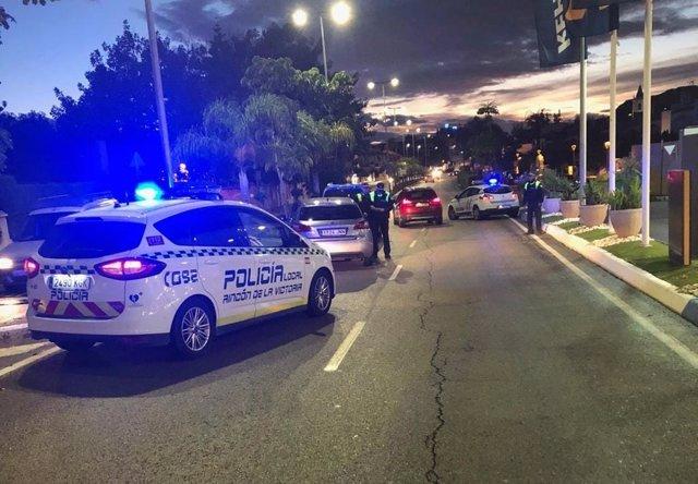 Control de la Policía Local de Rincón de la Victoria (Málaga) durante el estado de alarma