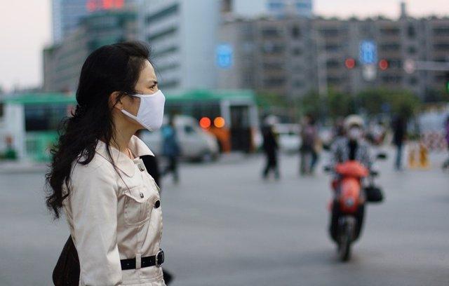Contaminación, mujer, mascarilla