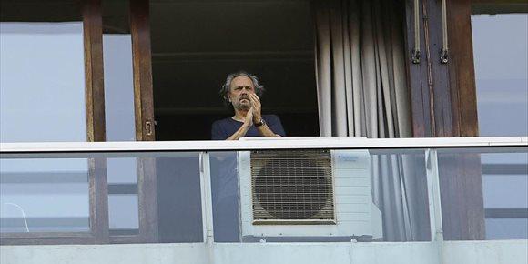 5. José Coronado se suma al 'aplauso solidario' y pone su granito de arena en la lucha contra el COVID-19