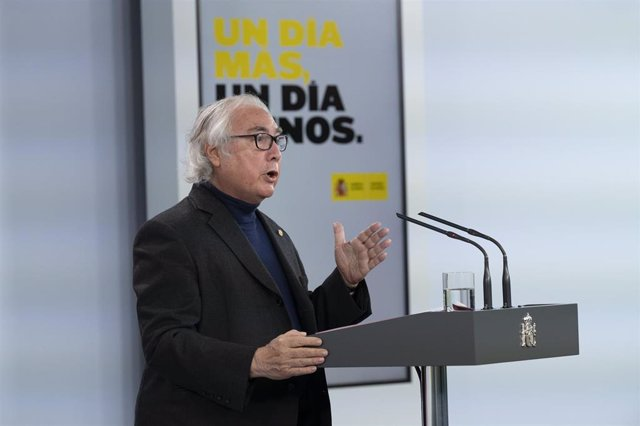 El ministro de Universidades, Manuel Castells, durante una rueda de prensa para informar sobre la última hora de la crisis sanitaria provocada por el coronavirus, en Madrid (España) a 23 de abril de 2020.