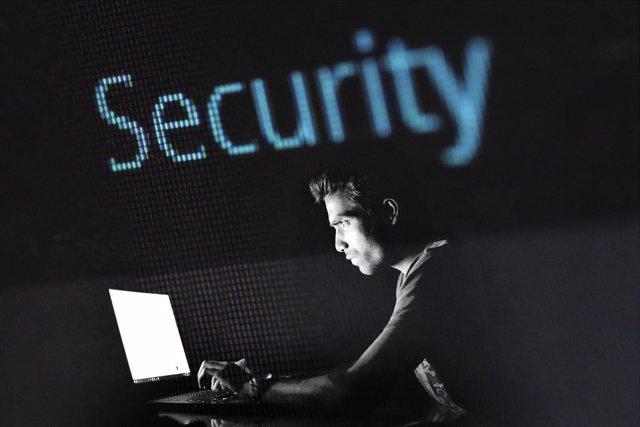 Una oleada de robos por 'phishing' suplanta a la Seguridad Social prometiendo un