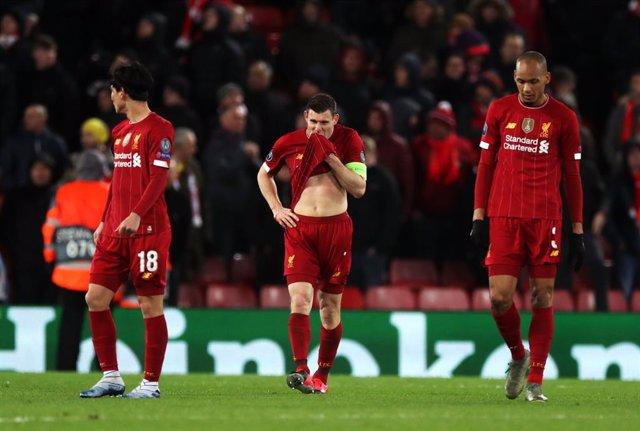 """Fútbol.- El alcalde de Liverpool dice que reanudar la Premier sería """"absurdo"""" y"""
