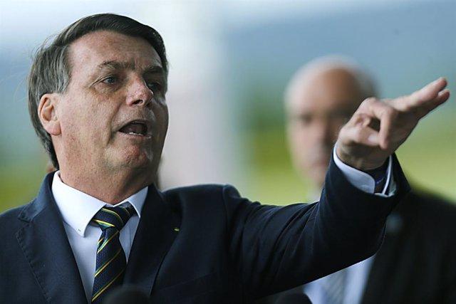 """Brasil.- Bolsonaro considera """"político"""" el veto al nuevo jefe de la Policía y cr"""