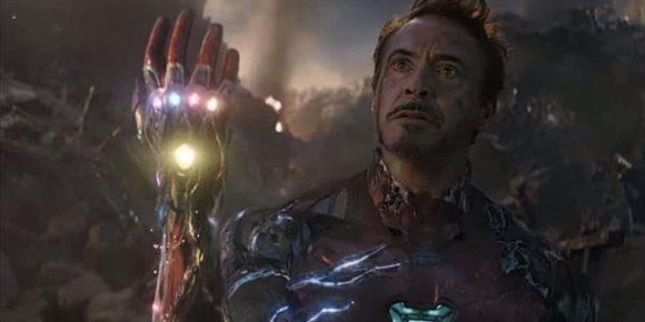 2. Los Vengadores de Marvel defienden los cines con la escena más épica de Endgame