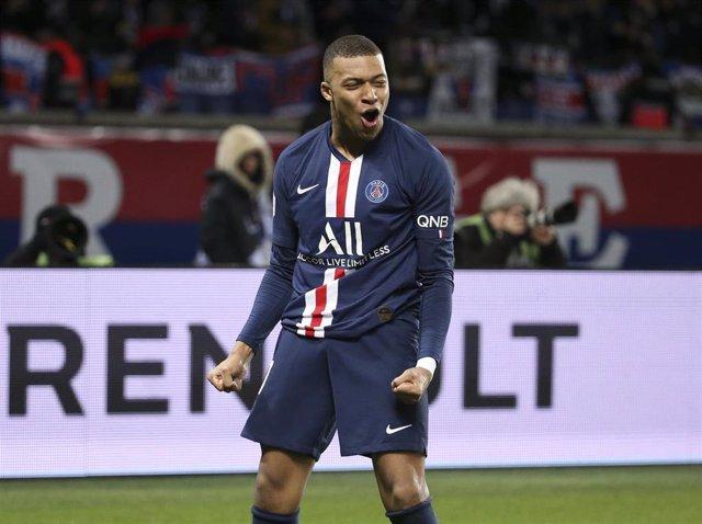 Kylian Mbappé celebra un gol con el Paris Saint-Germain.
