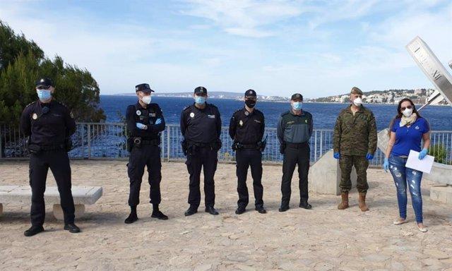 Entrega de la carta a la Policía Local, Policía Nacional y Guardia Civil en Calvià.