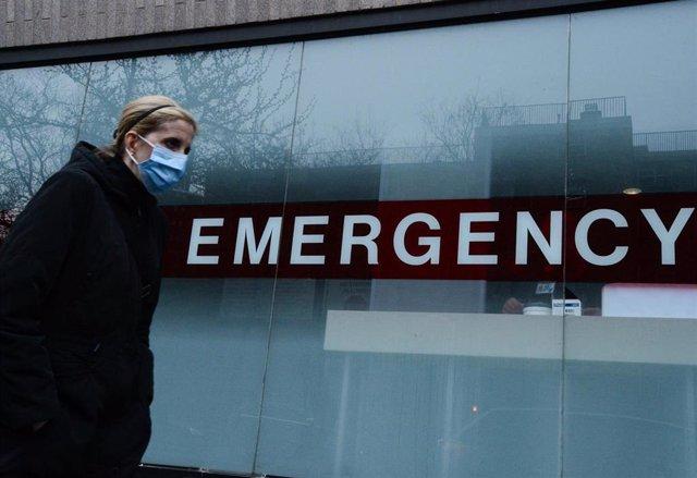 Una enfermera durante una protesta en Nueva York por la falta de material frente al coronavirus