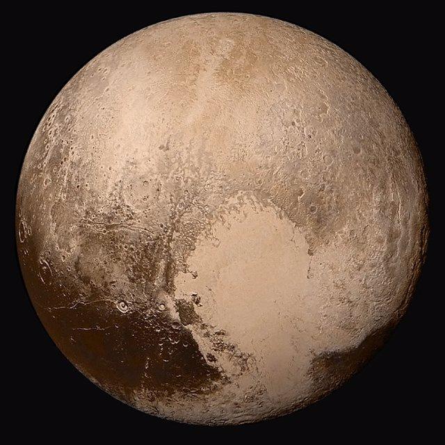 Imagen cercana de Plutón tomada por la misión New Horizons en 2015