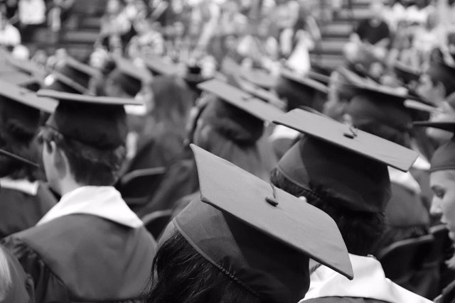 Las graduaciones encuentran su lugar en el mundo virtual con Microsoft Teams