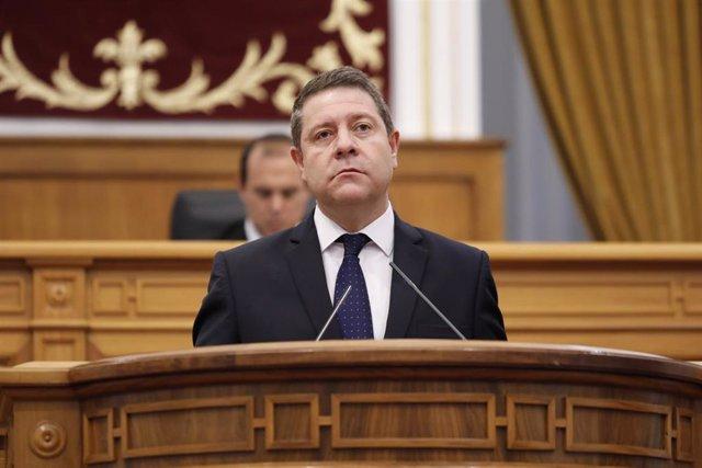 El presidente de C-LM, Emiliano García-Page, en las Cortes.