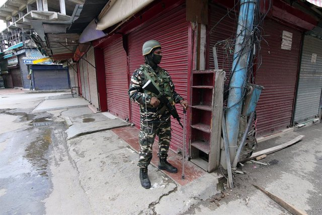 India.- India responsabiliza a Pakistán de la muerte de dos militares durante un