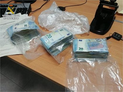 Detenido un hombre que usaba el DNI de un amigo por tener una orden de detención y llevaba cocaína
