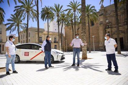 El Ayuntamiento de Almería destinará 50.000 euros para apoyar al sector del taxi en la crisis
