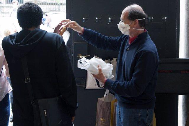 AMP.- Coronavirus.- Italia contabiliza 282 muertos en 24 horas y son ya 28.710 l