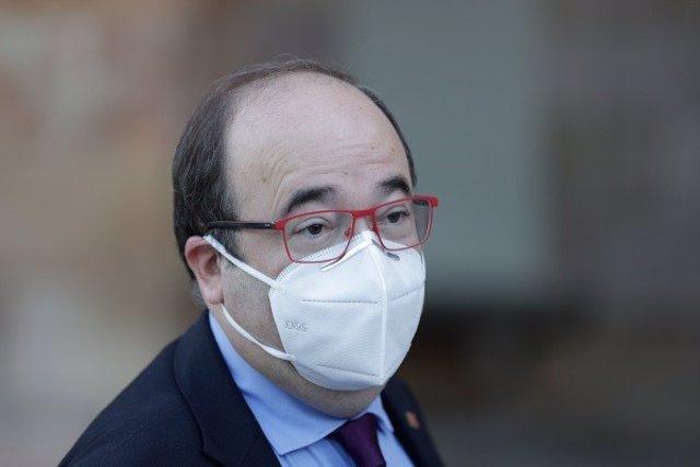 El primer secretario del PSC, Miquel Iceta, al acudir al pleno del Parlament del 24 de abril