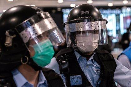 Amnistía denuncia el uso de las normas de excepción por el coronavirus con fines de orden público en Hong Kong