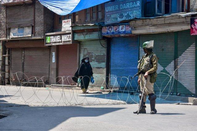 India.- Al menos cinco efectivos de seguridad indios mueren durante una operació